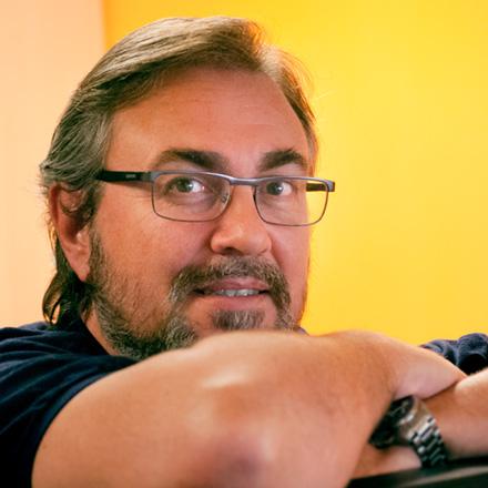 Co-Fundador y Director de Arte Sr. en la agencia de publicidad Empatía Comunicación